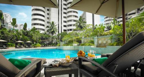 المسبح في فندق شانغريلا كوالالمبور أو بالجوار