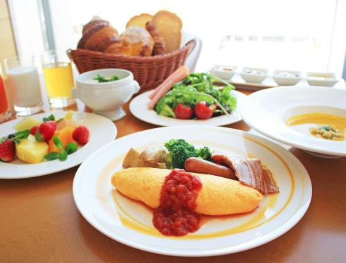 Breakfast options available to guests at Sheraton Grand Hiroshima Hotel