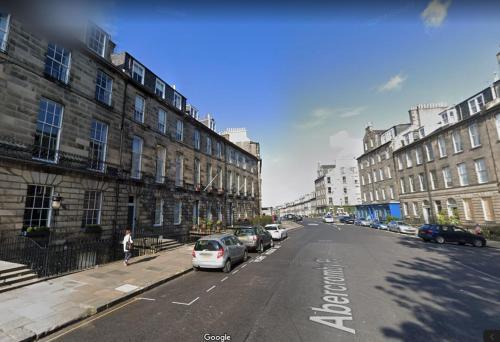 Beautiful Edinburgh New Town Apartment