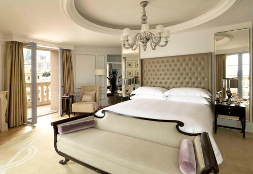 Cama ou camas em um quarto em Four Seasons Hotel Baku
