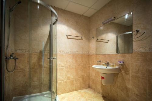 A bathroom at Hotel Primorsko Del Sol