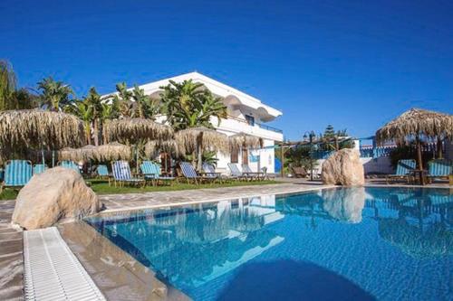 Πισίνα στο ή κοντά στο Aquarius Beach Hotel
