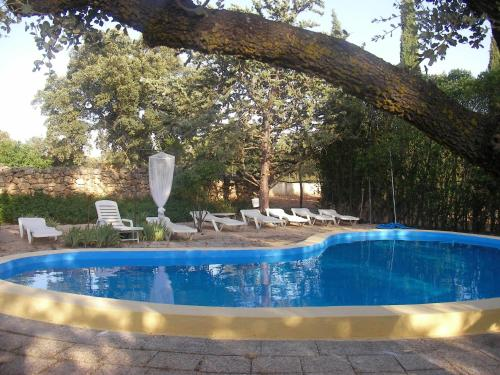 The swimming pool at or near Agroturismo Casa Calixto