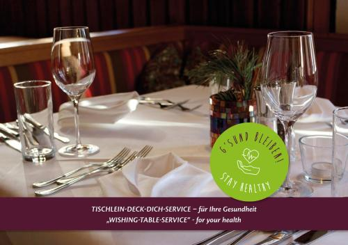 A restaurant or other place to eat at Ortners Eschenhof - Alpine Slowness