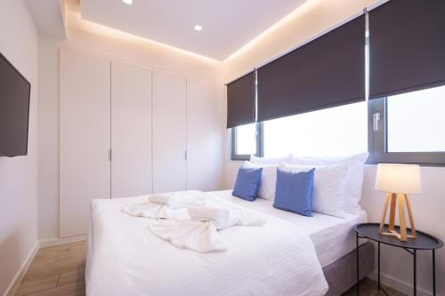 A bed or beds in a room at Hestia - Romvis 9