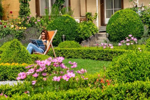 A garden outside Alpenrose Hotel and Gardens
