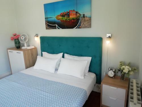 Een bed of bedden in een kamer bij Casa Azul Hostel
