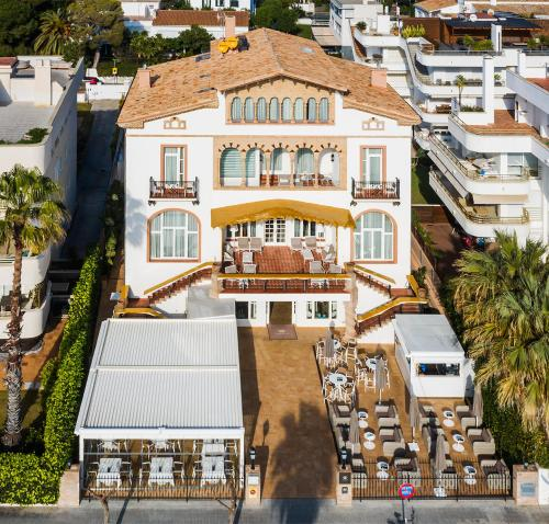 A bird's-eye view of Hotel Casa Vilella 4* Sup