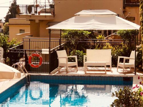The swimming pool at or close to Hotel Soleado