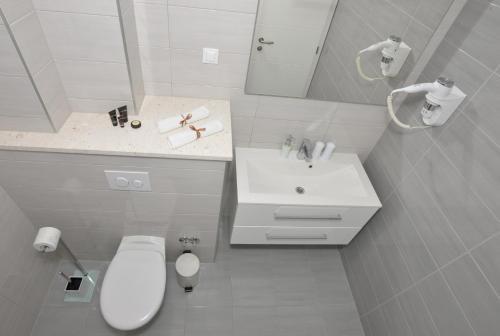 A bathroom at Villa Dalmatia Apartments