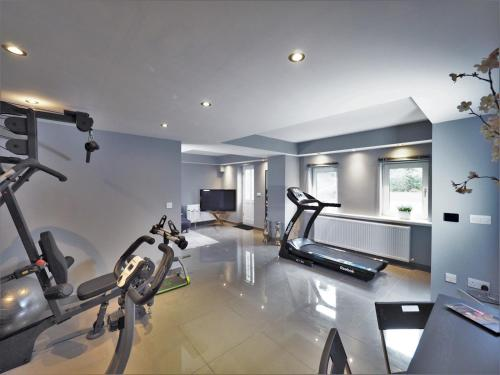 Peaceful River Island Accommodation with Multi Gym