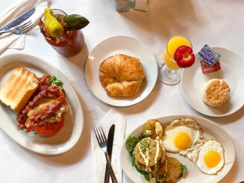 Breakfast options available to guests at East Bay Inn, Historic Inns of Savannah Collection