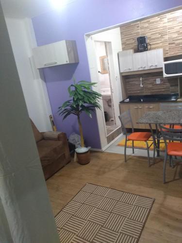 A kitchen or kitchenette at Kitnet