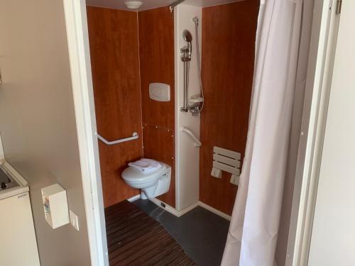 A bathroom at Les Viviales - Villa Rambouillet