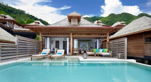 The swimming pool at or close to Hilton Seychelles Northolme Resort & Spa