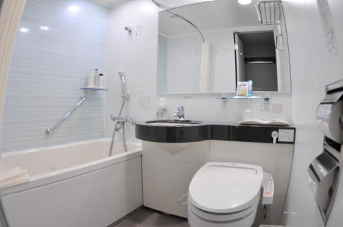 A bathroom at Daiwa Roynet Hotel Nagoya Eki Mae