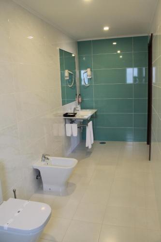 A bathroom at Palace Hotel & SPA Termas do Bicanho