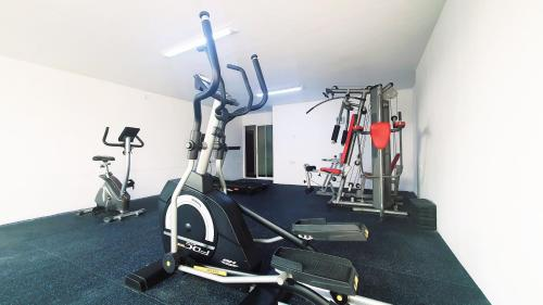 The fitness center and/or fitness facilities at Shwe Ingyinn Hotel Mandalay