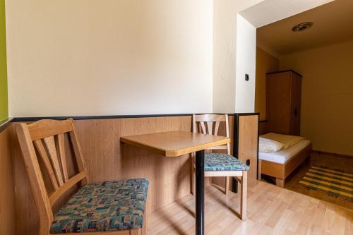 A seating area at Hotel-Restaurant Fritz Matauschek