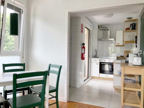 A kitchen or kitchenette at Zarautz Hostel