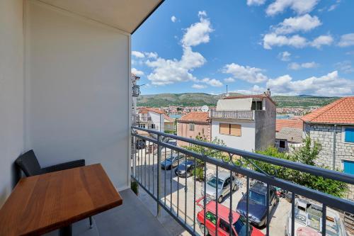A balcony or terrace at Apartments & Rooms Žaja