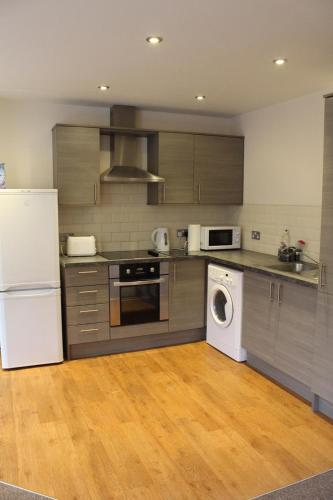 3 bed apartment with free on site parking in city centre