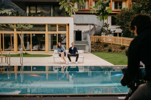 Der Swimmingpool an oder in der Nähe von Mari Pop Boutique Hotel