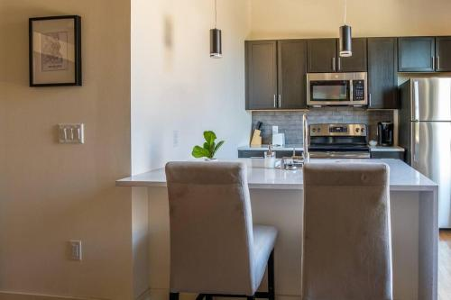 A kitchen or kitchenette at Cozy 2BR with Historic Charm