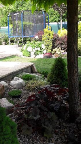 Vonkajšia záhrada v ubytovaní Vilka Relax