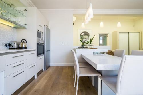 A kitchen or kitchenette at Tuishuisie