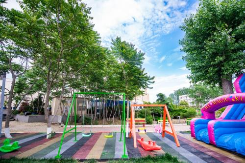 Zona de joacă pentru copii de la Hotel Siret
