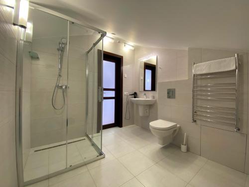 A bathroom at El verano
