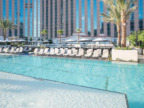 The swimming pool at or near The Venetian Resort Hotel & Casino by Suiteness