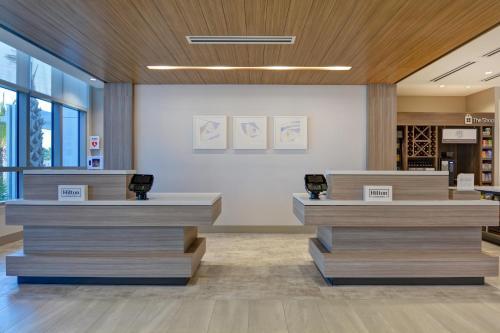 The lobby or reception area at Hilton Garden Inn Destin Miramar Beach, Fl