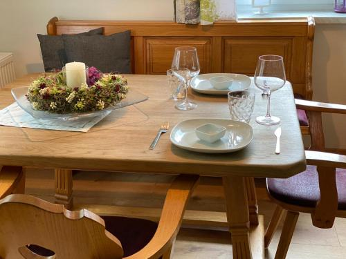 A restaurant or other place to eat at Alpen Apartement