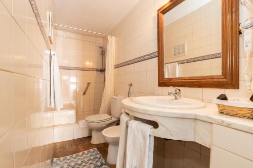 A bathroom at Quinta do Caracol