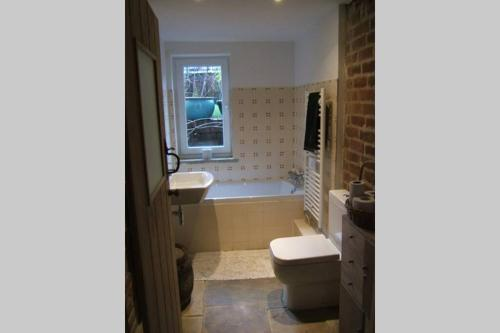 Didsbury Village Flat with Garden Access