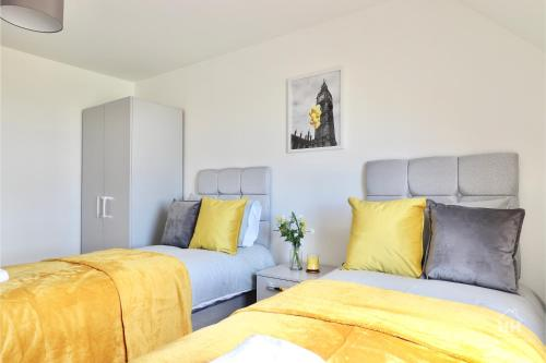 Unique 2 Bedroom Flat in Milton Keynes with On- site Parking