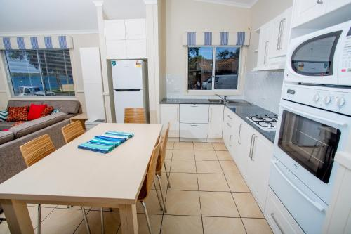A kitchen or kitchenette at Ingenia Holidays Lake Macquarie