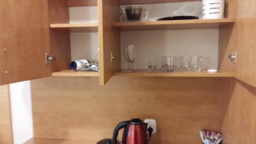 Zestaw do parzenia kawy i herbaty w obiekcie Pokoje Wczasowe Zwyciestwa