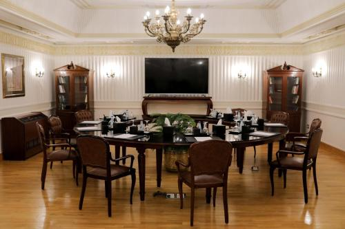 A restaurant or other place to eat at Steigenberger Cecil Hotel Alexandria