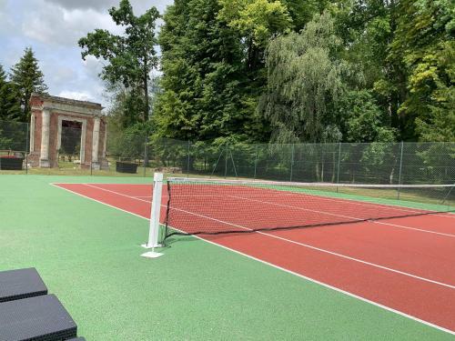 Tennis ou squash au sein de le B&B/chambre d'hôtes ou à proximité