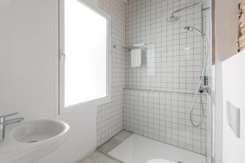 Un baño de Slow Suites Maestranza