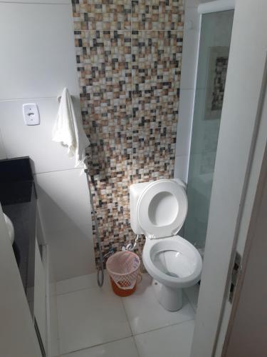 A bathroom at Apartamento 2 quartos mobiliado - Pituba