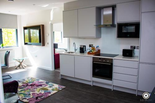 LuxuStay Serviced Apartments