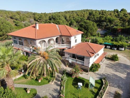 A bird's-eye view of Grivas House