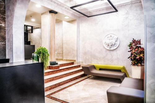The lobby or reception area at Hotel Varese