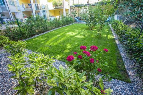 A garden outside Apartment Bela