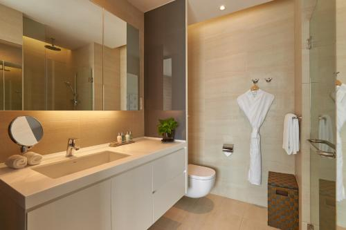 A bathroom at Pan Pacific Serviced Suites Beach Road (SG Clean, Staycation Approved)