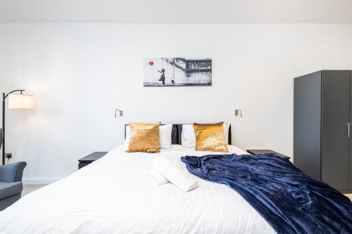 En Maison Luxury St Albans 1&2 Bedroom Apartments - Free Parking & Free Wifi - 18 mins to Central London